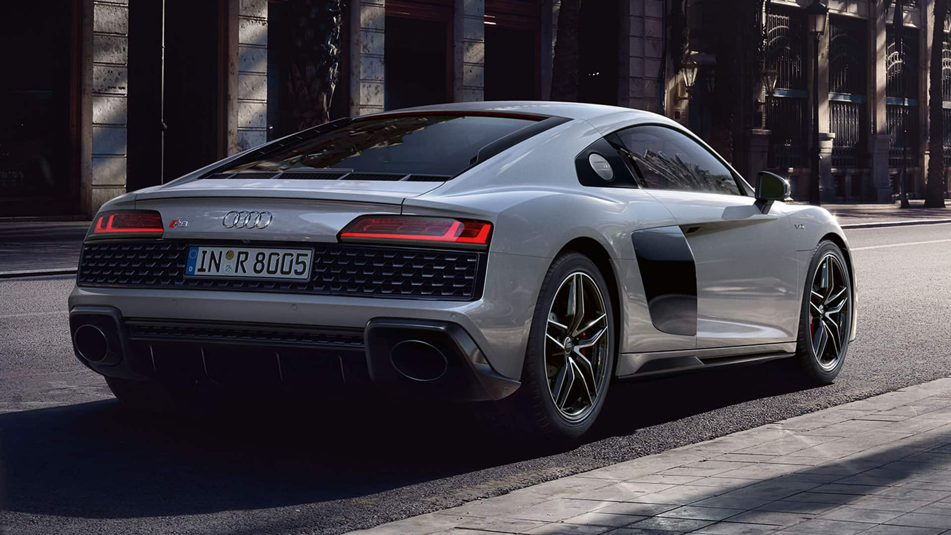 Rearview Audi R8 Coupé V10 quattro